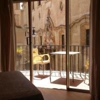 Hotel Pictures: Hotel Mesón El Número Uno, Antequera