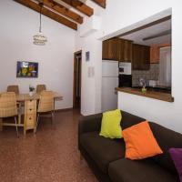 Hotel Pictures: Villa Chiquita, Calan Porter