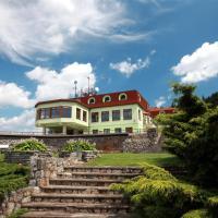 Hotel Pictures: Wellness Hotel Vyhlidka, Náchod