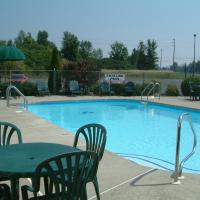 Hotel Pictures: McIntosh Country Inn & Conference Centre, Morrisburg