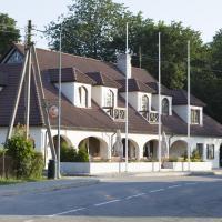 Hotel Pictures: Hotel Liilia, Käina
