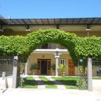 Foto Hotel: Maximos Petit Hotel, Flores