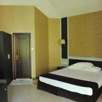Deluxe Suite (2 Adults) with Free Pool Access