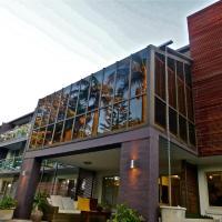 Hotel Pictures: Park Ridge Retreat, Gerringong