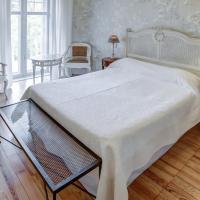 Classic Single Castle Room