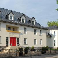 Hotel Pictures: Schlosshotel Bunter Hund, Laubach