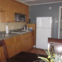 Deluxe One-Bedroom Cottage