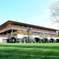 Hotel Pictures: Hosteria El Tozal, El Grado
