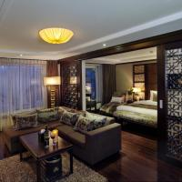 Luxury Suite With Living Room And Sofa