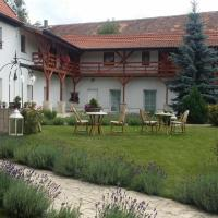 Hotel Pictures: Green Club, Tursko