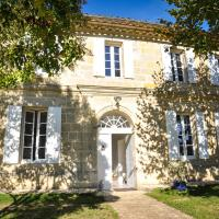 Hotel Pictures: La Maison Laurencine, Saint-Philippe-d'Aiguille