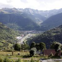 Hotel Pictures: Apartamentos Valle de Aran, Mont