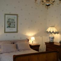 Hotel Pictures: La Touraine Romantique Lamartine Plumereau, Tours