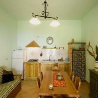 Ulivi Two-Bedroom Apartment with Patio (5 Adults)