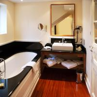 Suite with Lake View with free spa access