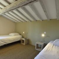 Three-Bedroom Villa with Terrace (6 Adults)