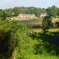 Hotel Pictures: Rawcliffe House Farm Holiday Cottages, Pickering
