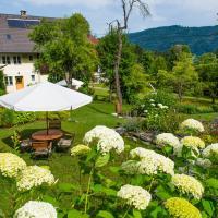 Hotel Pictures: Landhaus Arztmann, Bodensdorf