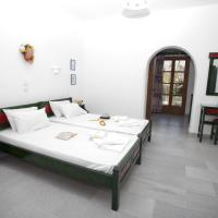 Special Offer - Studio with Pool View and Car Rental (2 Adults)
