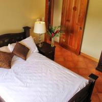 Hotel Pictures: Villas Opera Hills - Villa Orquídea, Playa Hermosa