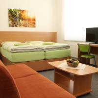 Hotel Pictures: Penzion Bobule, Staré Město