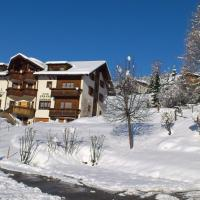Hotel Pictures: Hotel Gravas, Vella