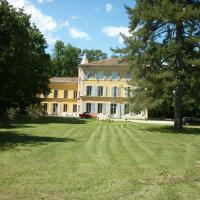 Hotel Pictures: Château saint Romain - maison d'hôtes, Espeluche