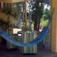 Hotel Pictures: Hooleys @ Bingil Bay, Mission Beach