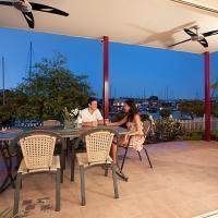 Hotel Pictures: La Marina Waterfront Villa, Darwin
