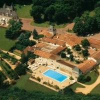 Hotel Pictures: Château de Périgny - CHC, Vouillé