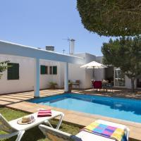 Hotel Pictures: Villa Savina, Cala en Blanes