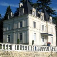 Hotel Pictures: Villa in Charente III, Dirac