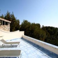 Hotel Pictures: Villa in La Seyne Sur Mer, La Seyne-sur-Mer