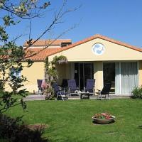 Hotel Pictures: Villa in Les Sables D Olonne III, Olonne-sur-Mer