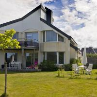 Hotel Pictures: Villa in Plouhinec I, Plouhinec