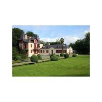 Hotel Pictures: Villa in Pyrénées Atlantiques, Uzos