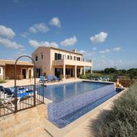 Hotel Pictures: Villa in Cala D Or VII, Cala Serena