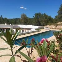 Hotel Pictures: Villa in Santa Eulalia I, Santa Eularia des Riu