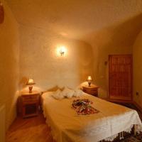 Panaromic Cave Room 1