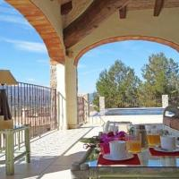 Hotel Pictures: Apartment with garden, pool in Lliber, Lliber