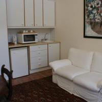 Honeymoon Suite - Nellie's Nest