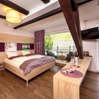Hotel Pictures: Hotel Weinhaus Halfenstube, Senheim