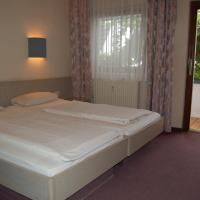 Hotel Pictures: Hotel Adler, Neulußheim