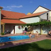 Hotel Pictures: Penzion Barina, Dolní Dunajovice