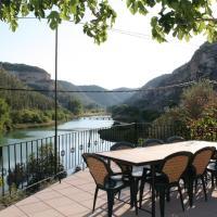 Hotel Pictures: Casa Rural Río Tranquilo, Tolosa
