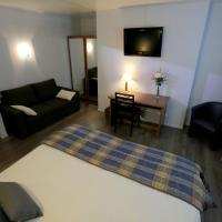 Hotel Pictures: Auberge La Pomme de Pin, Senonches