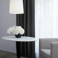2 Connecting Luxury Rooms