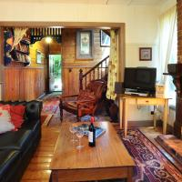 One-Bedroom Cottage with Spa Bath