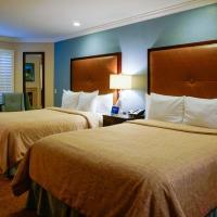 Deluxe Two Queen Beds Room
