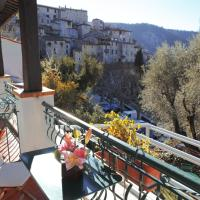 Provençal Twin Room with Balcony and Valley View